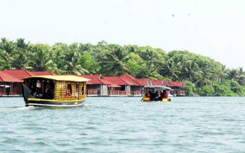 Floating Cottage in Poovar